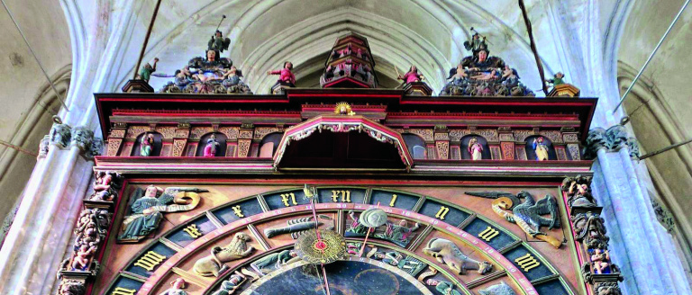 Rostock_Marienkirche_Astronomische_Uhr_fc.jpg
